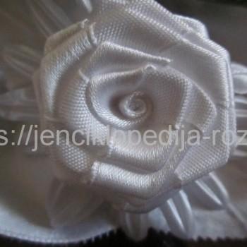 Роза из ткани белая
