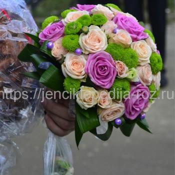 Шикарный букет роз