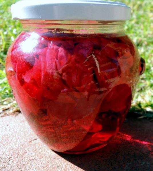 Правильно сваренное классическое розовое варенье